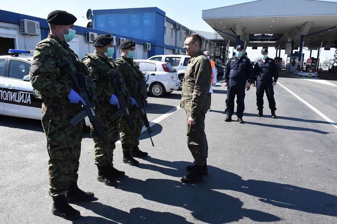 Ministar Vulin na Batrovcima: Vojska Srbije izvršava sve postavljene zadatke u vanrednom stanju
