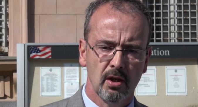 Godfri: Ne planiram da držim lekcije srpskim liderima
