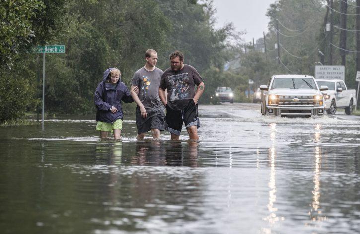 Katastrofalne poplave na jugu SAD posle udara uragana Sali