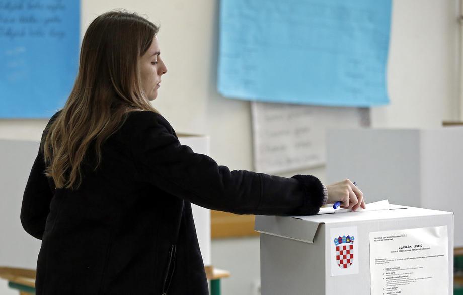 U Hrvatskoj izbori teku mirno, manje nepravilnosti