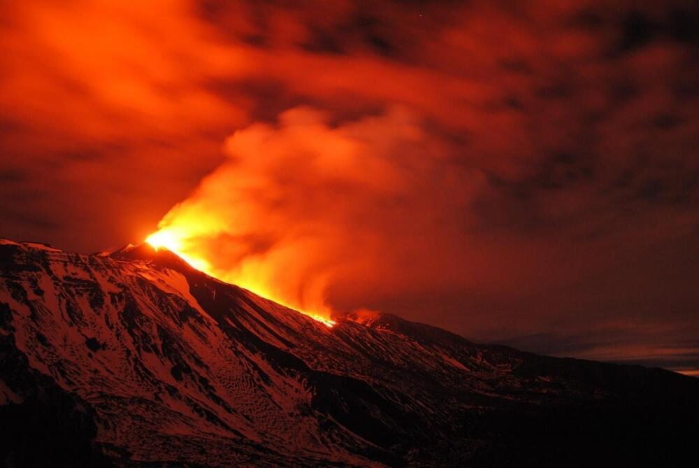 Probudila se Etna, lava šikljala i 100 metara u visinu (video)