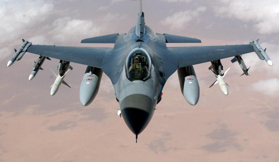 Holandija:Borbeni avion F-16 pogodio sam sebe tokom vežbe