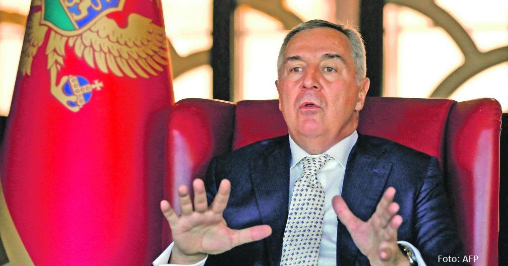 Selaković: Besmisleni napadi Đukanovića na Vučića