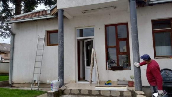 Opremanje prostorija škole u Vitini