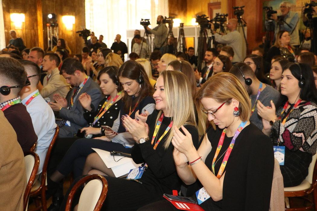 Brnabić i Zaev na završetku Foruma mladih lidera u Novom Sadu