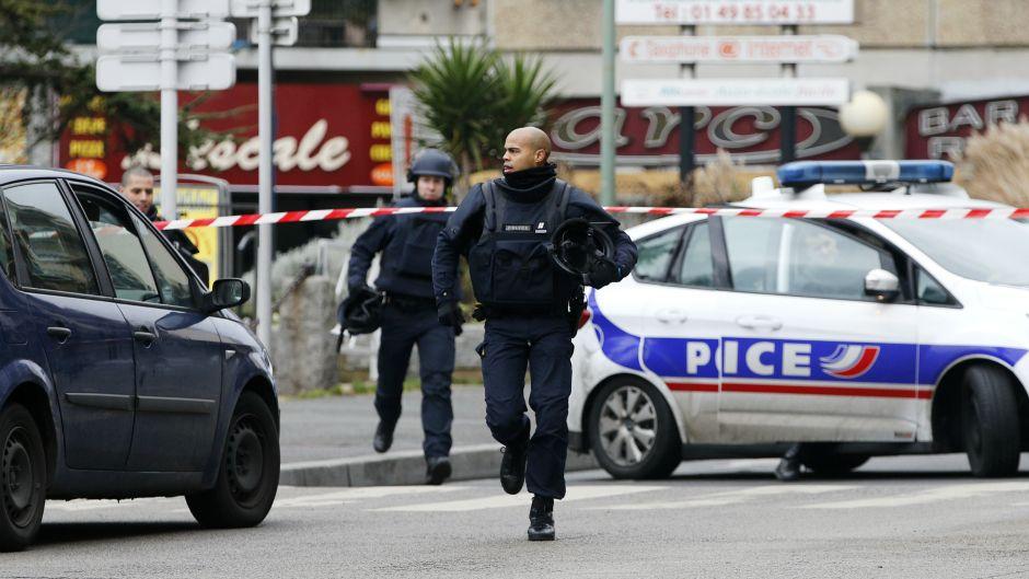 Pariz: Policija uhapsila 163 osobe i napisala 400 kazni