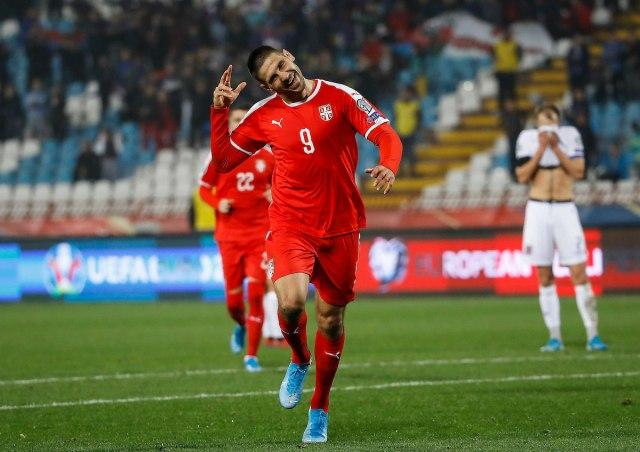 Fudbaleri Srbije savladali  Luksemburg, 3:2