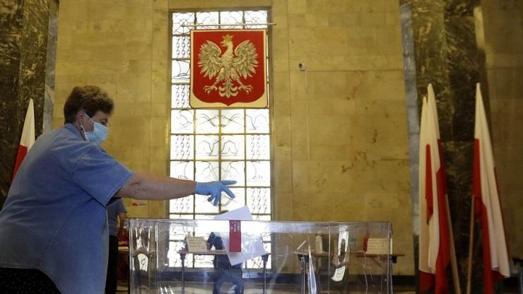 U Poljskoj se održava drugi krug predsedničkih izbora