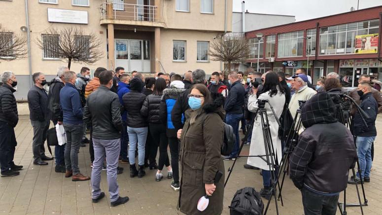 Gračanica: Protest meštana i porodice pretučenog mladića, zahtevaju kazne za napadače