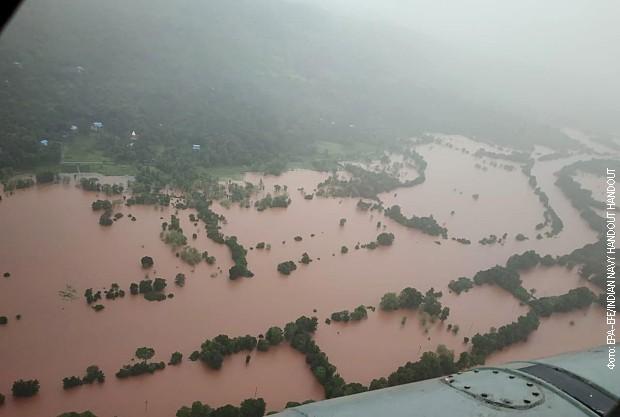 Poplave u Indiji, više od 160 stradalih, potraga za nestalima u toku