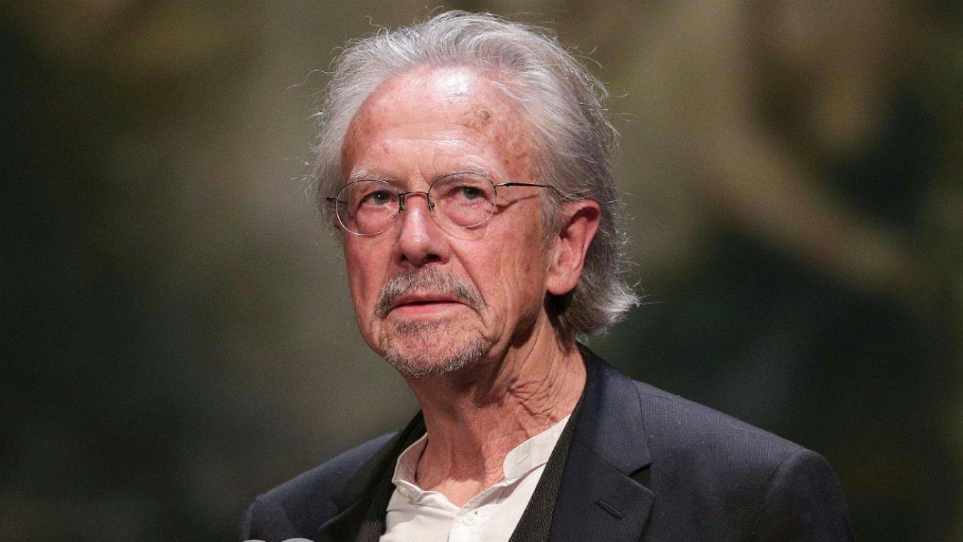 Handkeu uručena Nobelova nagrada za književnost