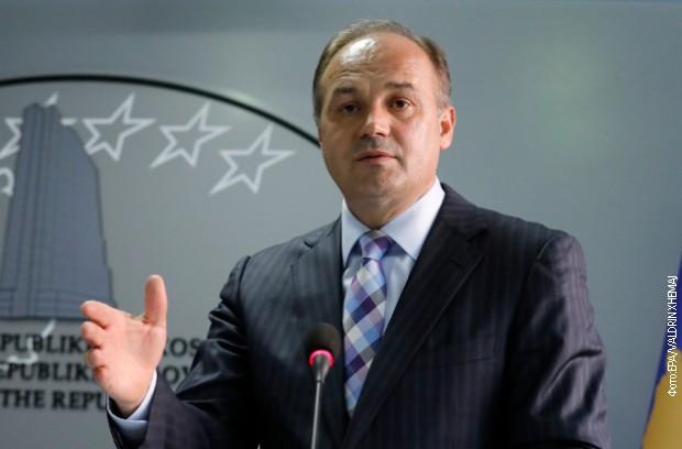 Hodžaj: U mom kabinetu su razrađene takse na robu iz Srbije