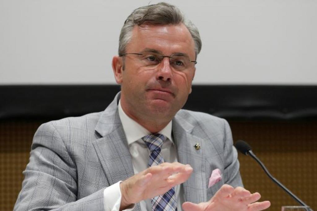 Hofer: Austrija se suviše oslanjala na EU,Srbija pokazala put