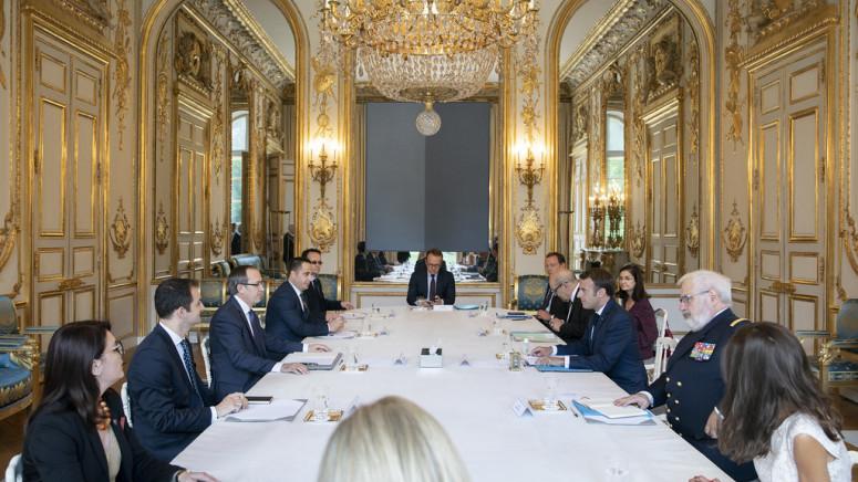 Makron obećao Hotiju podršku Francuske u dijalogu