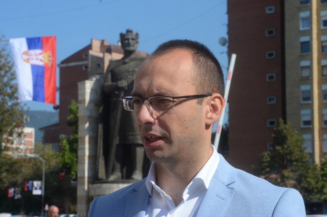 Simić: Vjosa Osmani obmanula javnost, pročitala je nepostojeću Rakićevu izjavu