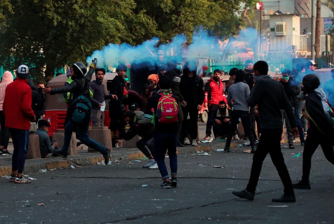 Suzavac i gumeni meci na demonstrante u Iraku
