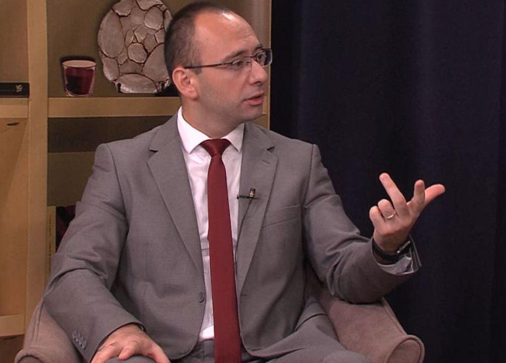 Simić: Priština mora da pokaže poštovanje prema srpskom narodu