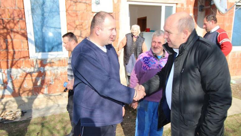 Ivanović obećao pomoć porodicama u Zobnici i Prekovcu