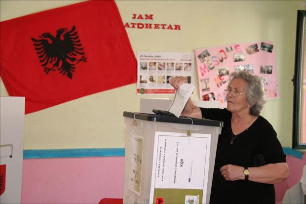 Zatvorena birališta u Albaniji, opozicija bojkotovala