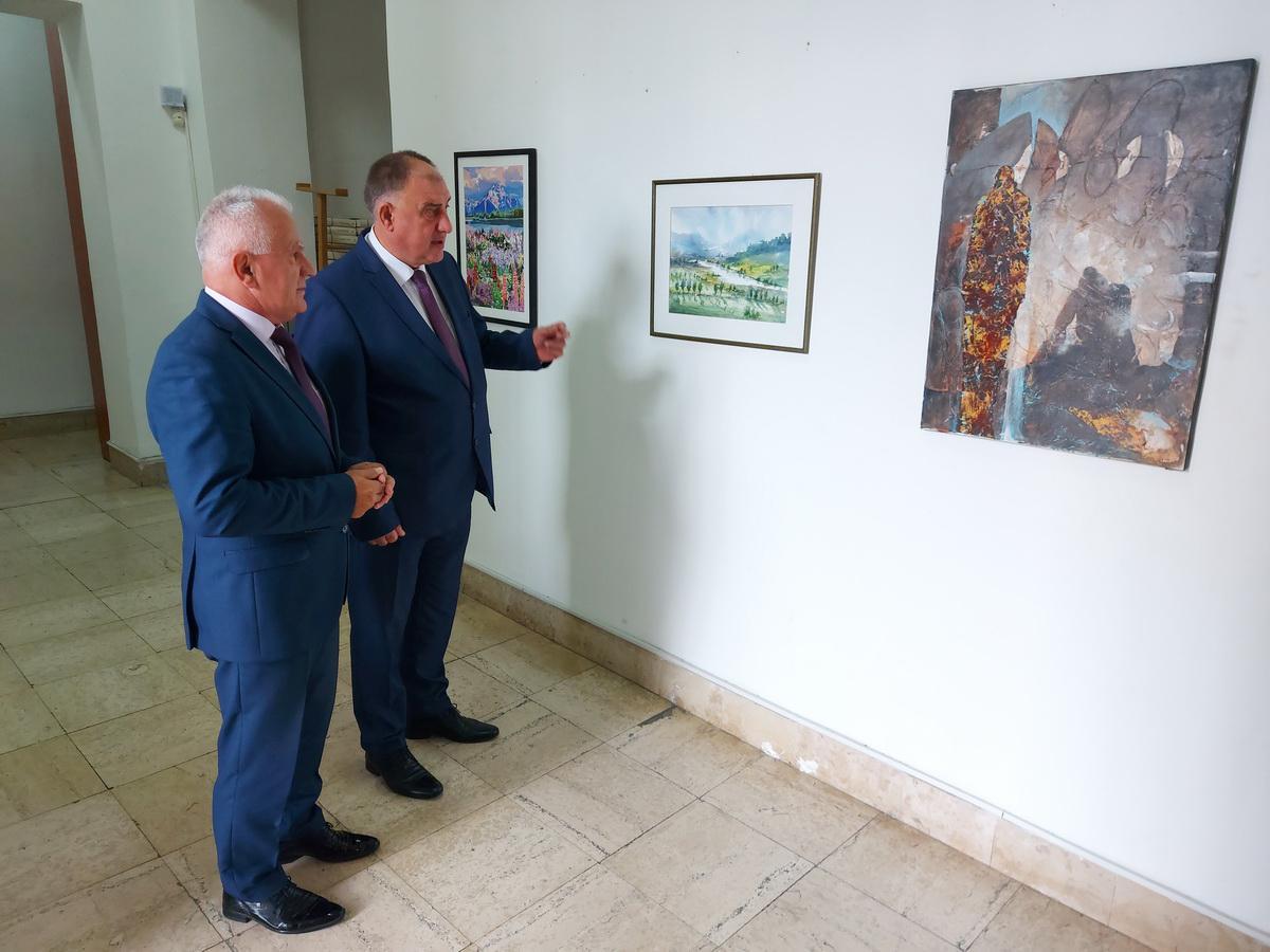 Na humanitarnoj izložbi prodato šest slika, novac namenjen Dnevnom centru u Kosovskoj Mitrovici