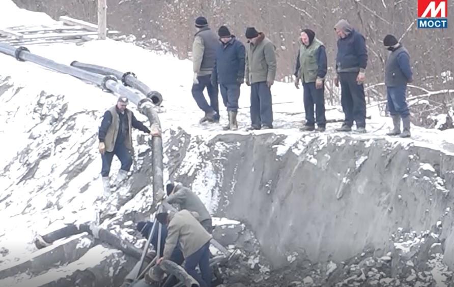 Leposavić: Radnici Trepče rade na ojačanju bedema kod jalovišta (foto)