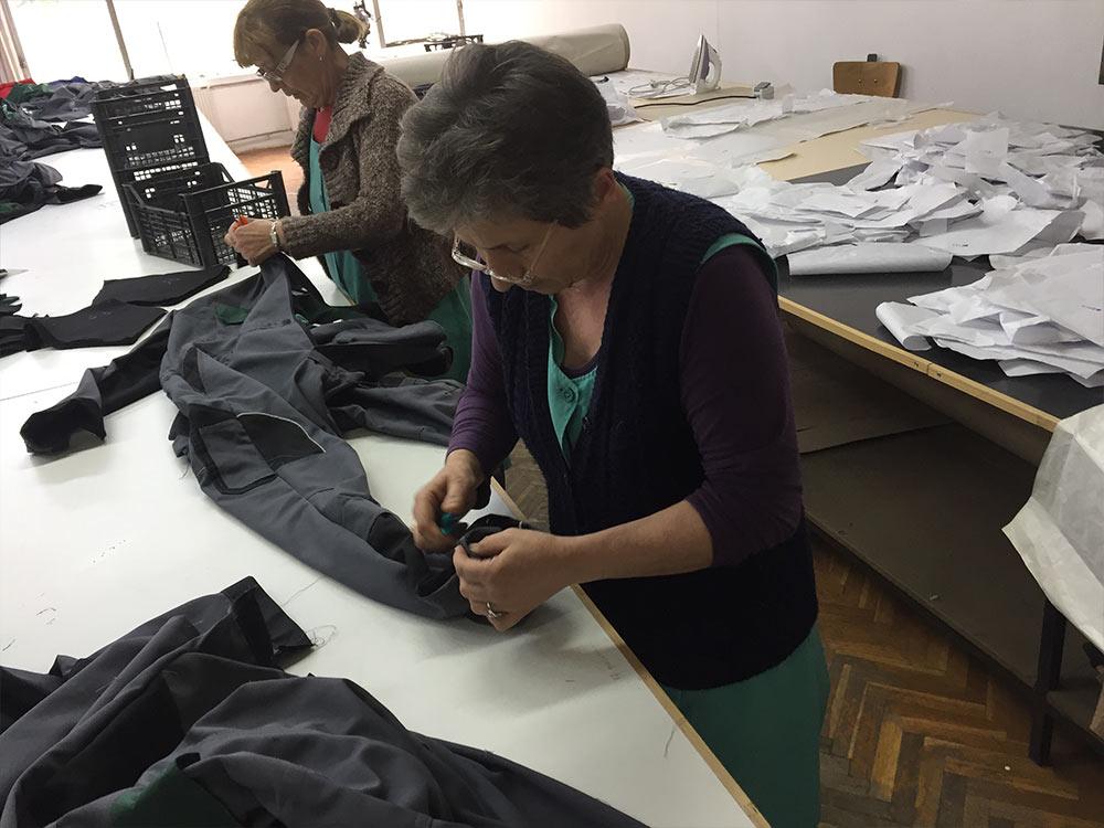 Simić i Vulović obišli tekstilni pogon