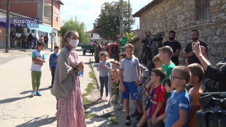 Jelena Đoković: Ljudi i deca su nas dočekali s puno ljubavi, vratiću se sa Novakom kroz nekoliko nedelja