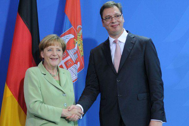 Merkel pozvala Vučića da poseti Nemačku u januaru