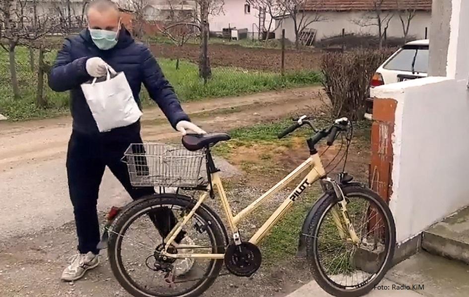 Gračanica: Dostava hrane i lekova na biciklima