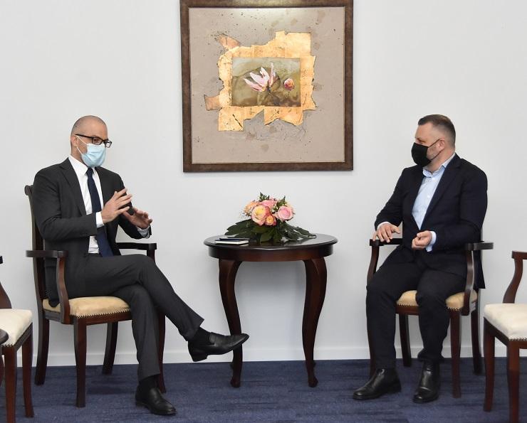 Dalibor Jevtić sa ambasadorom Italije na Kosovu Nikolom Orlandom