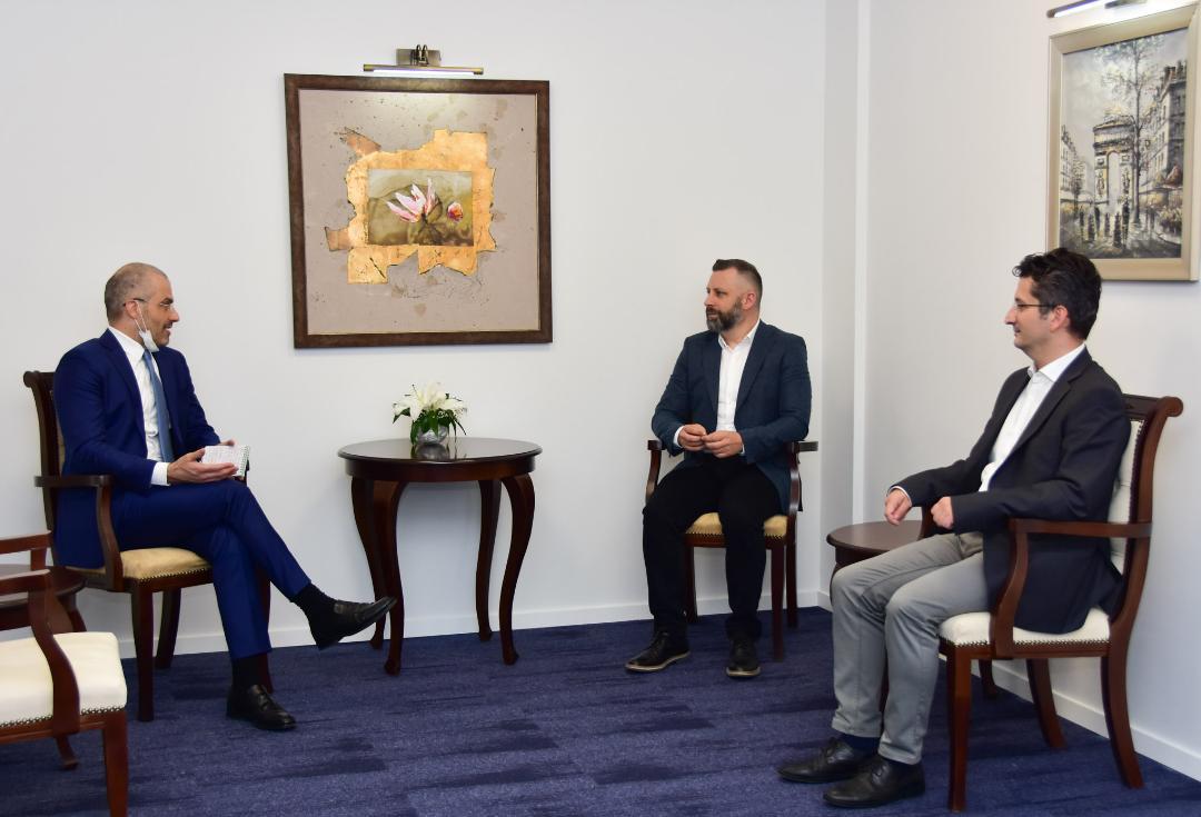 Jevtić sa ambasadorom Italije na KiM: Neophodna oštra reakcija na svaki pokušaj destabilizacije prilika na KiM