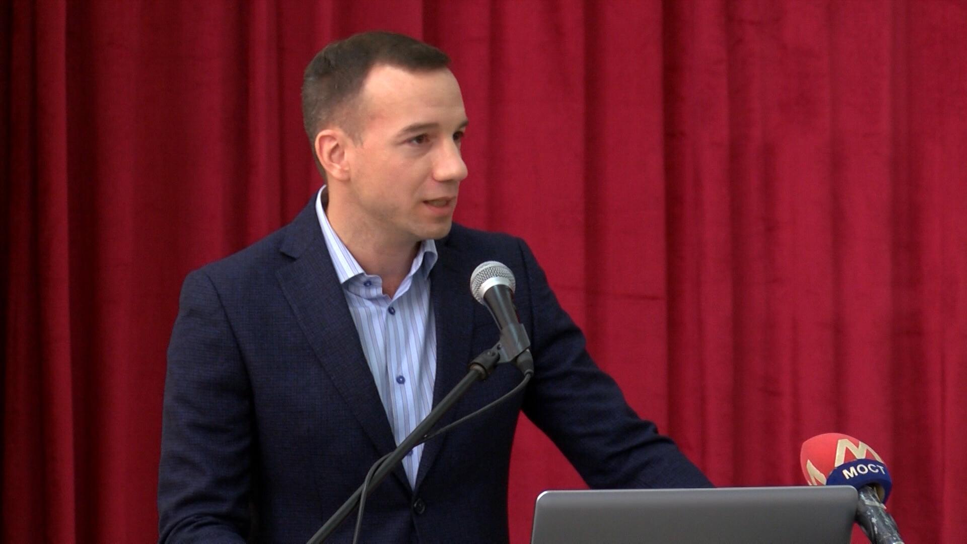 Jović nastavlja posetu Kosovskom upravnom okrugu