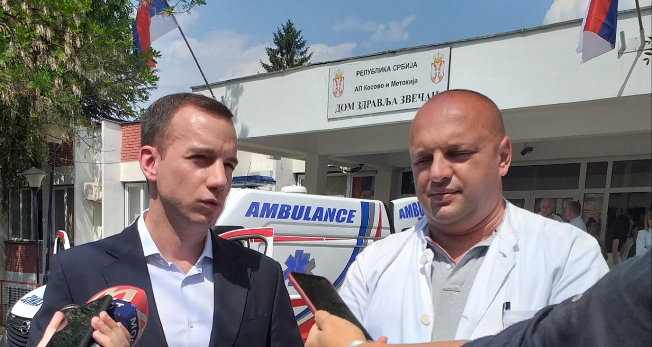 Kancelarija za Kosovo i Metohiju poklonila Domu zdravlja u Zvečanu sanitetsko vozilo