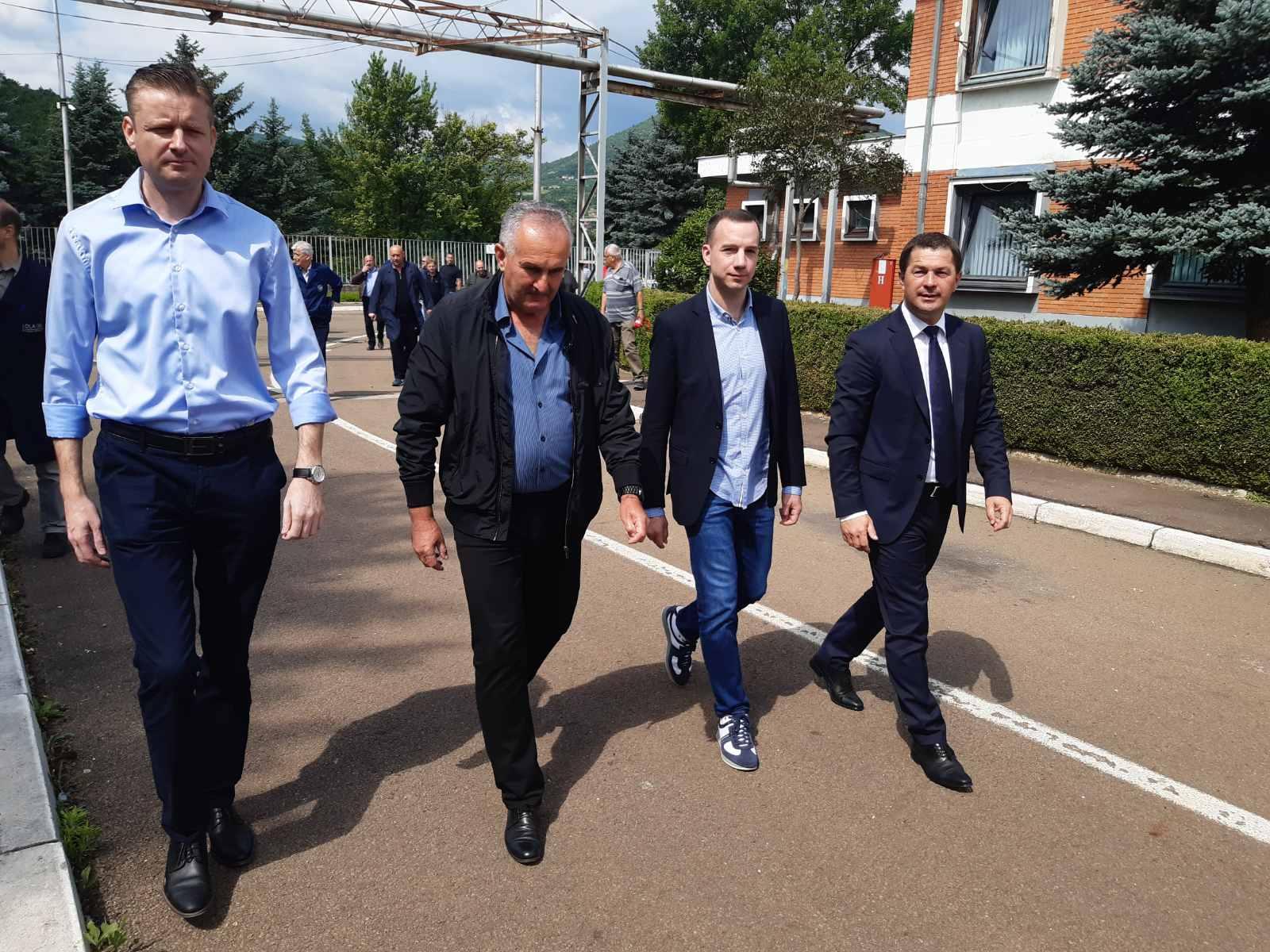 "Jović obišao pogon fabrike otkivaka ""Lola-fot"" u Lešku (foto)"