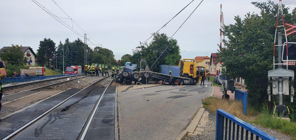 Voz u Češkoj razneo kamion sa srpskim tablicama