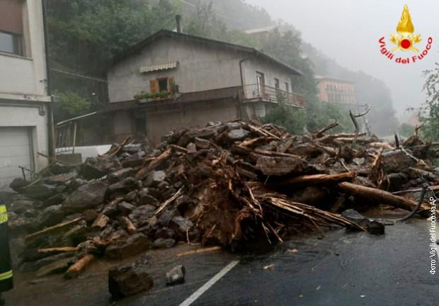 Poplave i klizišta oko jezera Komo u Italiji