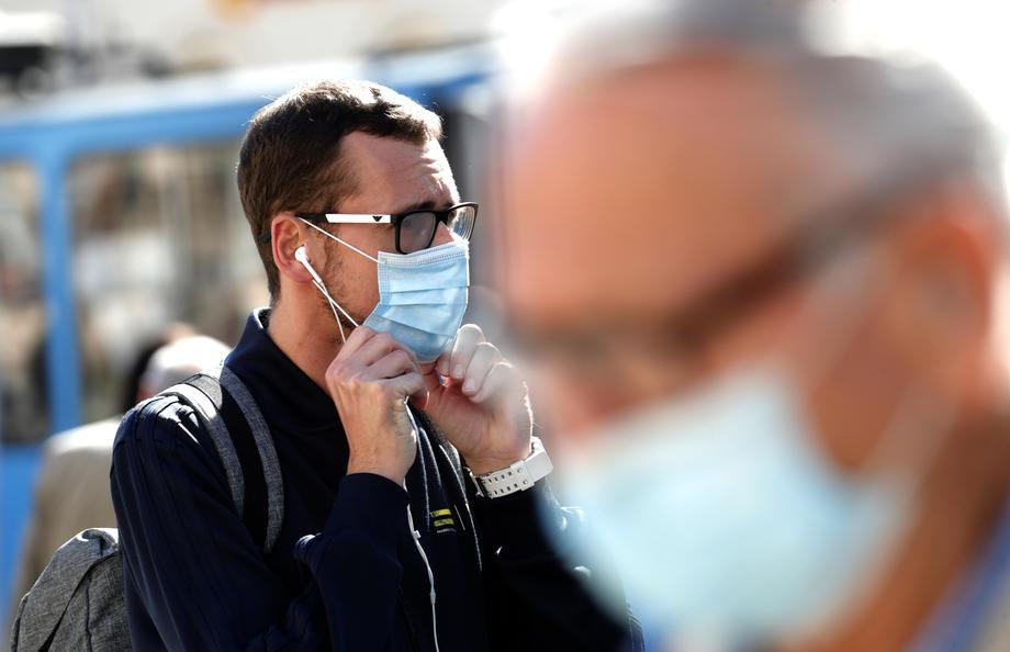Kon: Vanredno stanje nije opcija, najpametnije nositi maske