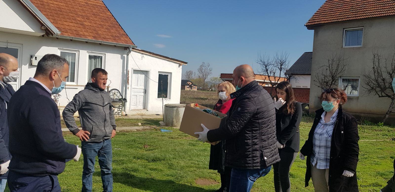 Klokot: Podela humanitarne pomoći socijalno ugroženim albanskim porodicama