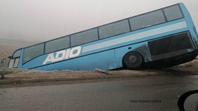 """Autobus """"Adio tursa"""" sinoć sleteo s puta, nema povređenih"""