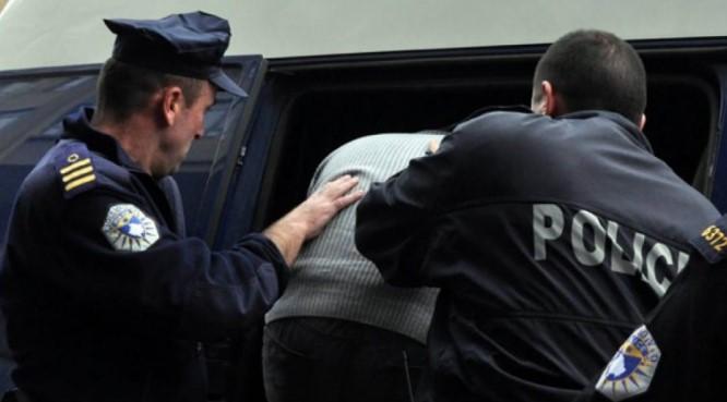 Policija u Zubinom Potoku uhapsila muškarca zbog krijumčarenja prehrambene robe