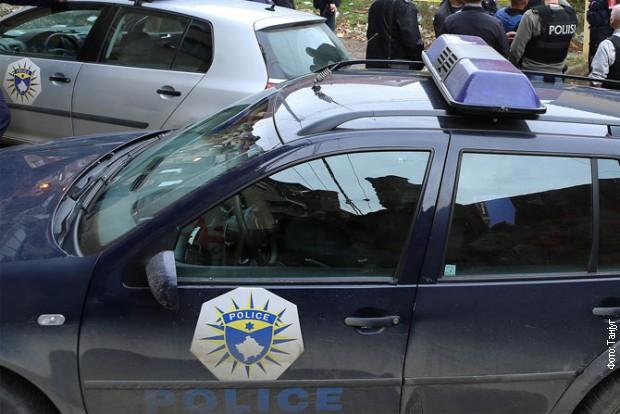 Pogranična policija pucala u kombi!