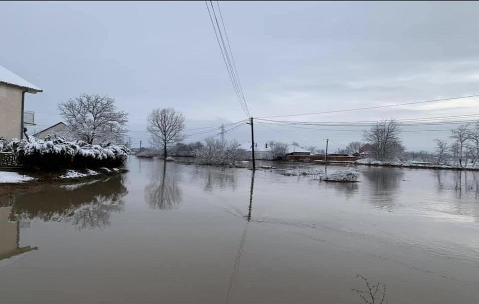 U Kuzminu se ponovo izlila reka Drenica