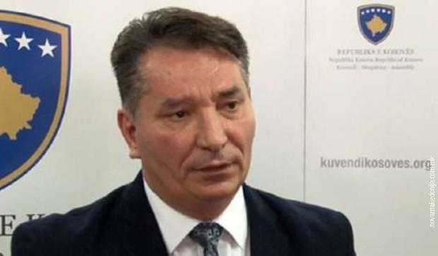 Podrška na Tviteru švajcarskom ambasadoru u Prištini