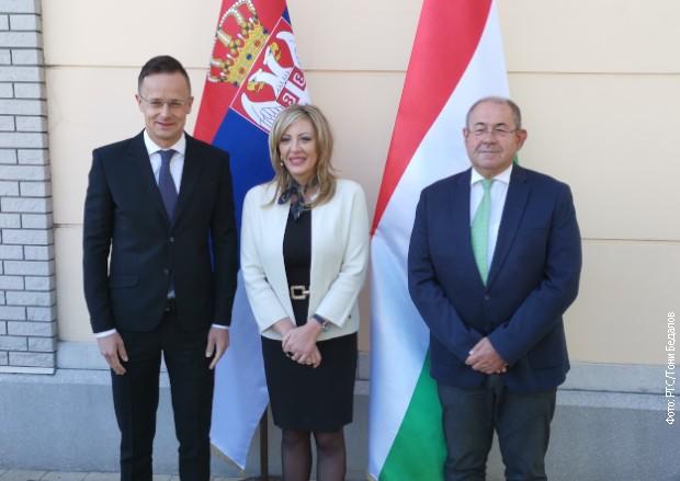 Građani Srbije od danas mogu u Mađarsku bez testa na kovid 19