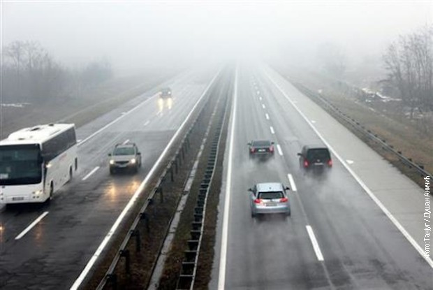 AMSS: Oprez zbog magle i poledice