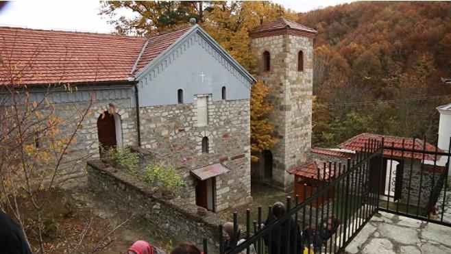 Zid je na KiM život: Posle reportaže Sputnjika pomoć manastiru Devič stigla iz Kanade (video)