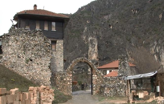 Dobrotvorno veče Zvezdaša iz Brčkog za obnovu manastira u Prizrenu