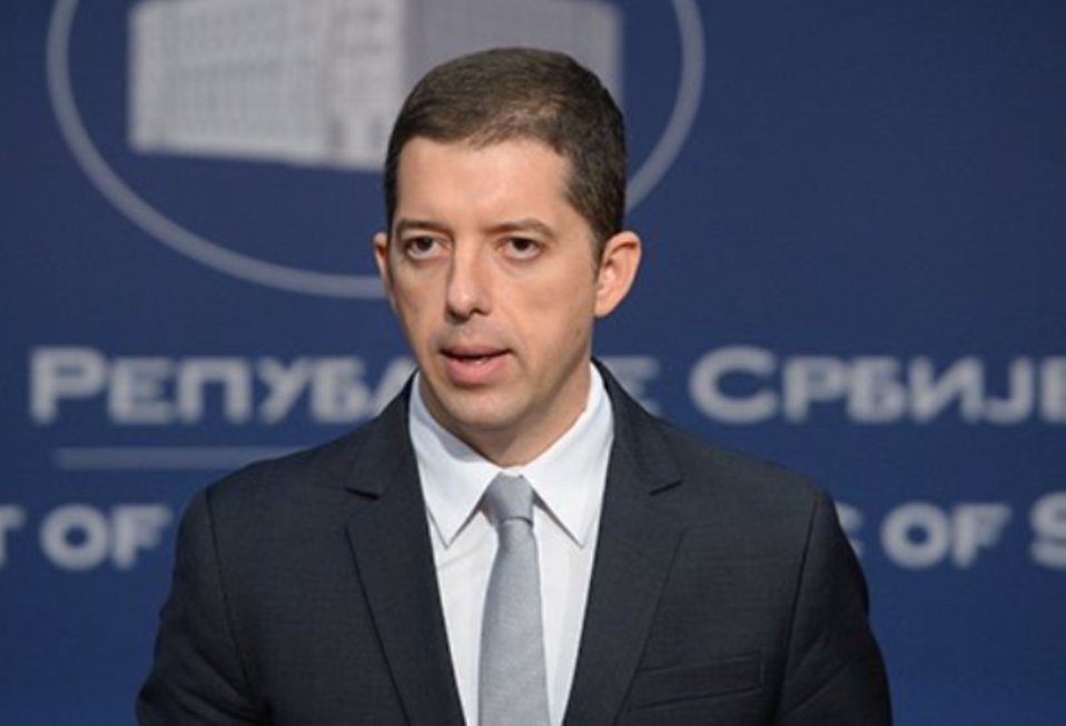 Đurić: Srpska lista da se drži po strani