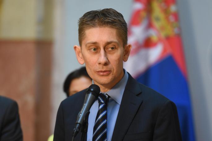 Martinović: Poslanici ostaju u Skupštini da je brane od tajkuna i fašista