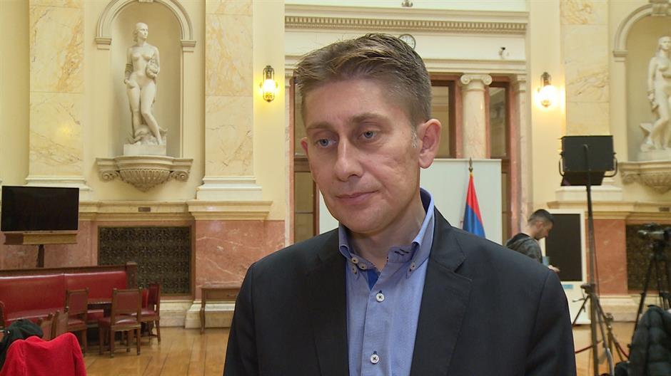 Martinović: Mojom greškom pušten stari spisak poslanika